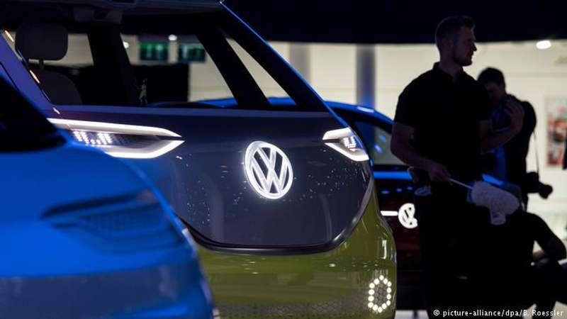 Великий німецький концерн інвестує в електромобілі понад 40 млрд євро