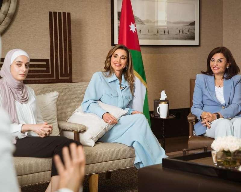 Королева Йорданії для зустрічі з жінками-активістками обрала костюм українського бренду