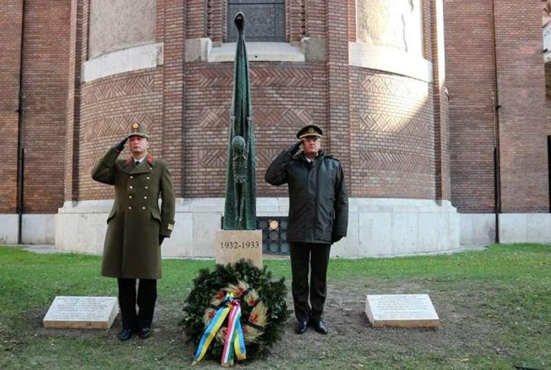 В Угорщині з'явився пам'ятник жертвам Голодомору в Україні