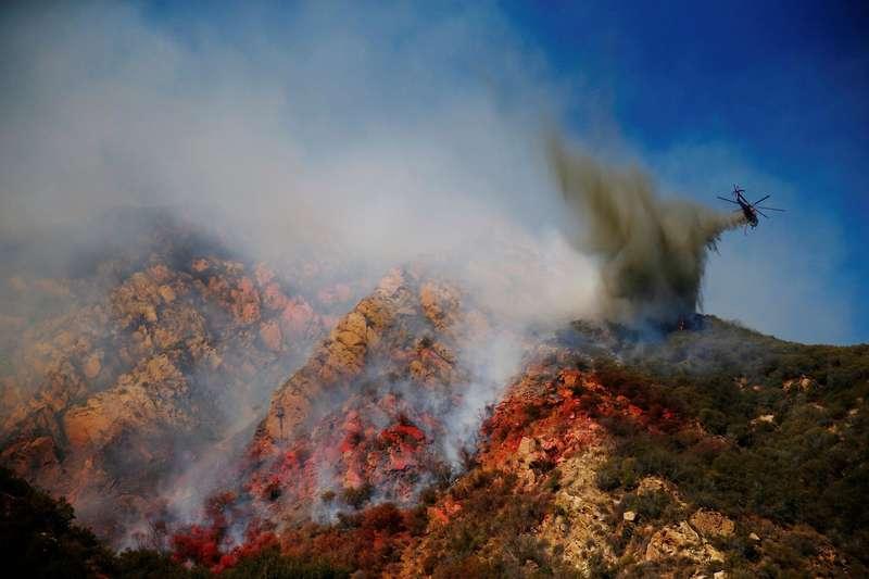 Дим від каліфорнійських пожеж поширюється по всьомутихоокеанському узбережжю (відео)
