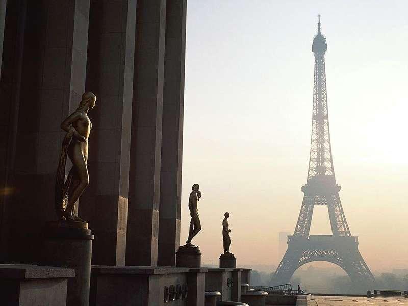 У Франції жінка облила кислотою відвідувачівбару