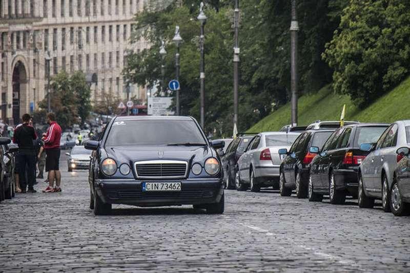"""""""Євробляхери"""" виходять на протест: у багатьох містах буде ускладнено рух автотранспорту"""