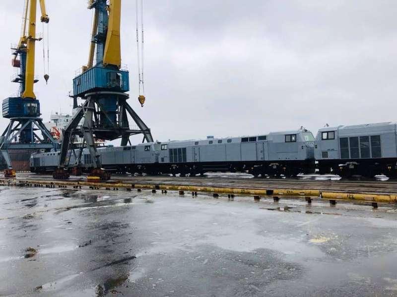 До Укрзалізниці надійшлоще п'ять локомотивів виробництва General Electric