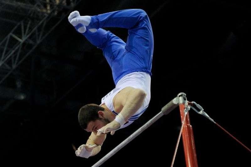 Британський гімнаст потрапив до книги рекордів Гіннеса з неймовірним сальто (відео)