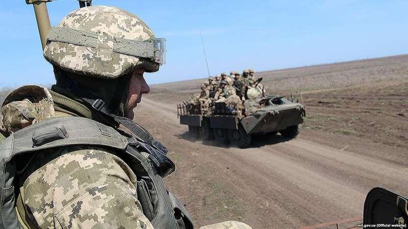 У мережі показали відео як українські військові готуються захищати азовське узбережжя