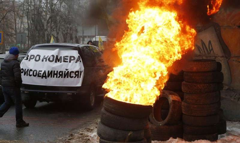 Євробляхарі масово залишають свої автомобілі у Польщі