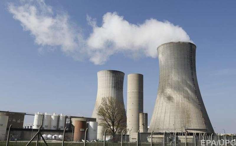 Франція відмовляється від атомної енергетики