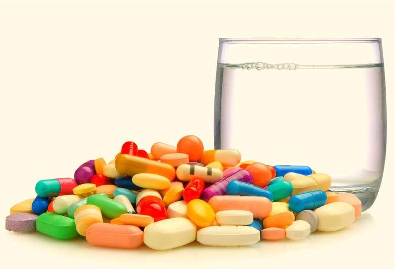 Через неправильне вживання антибіотиків небезпечні бактерії виходять з-під контролю