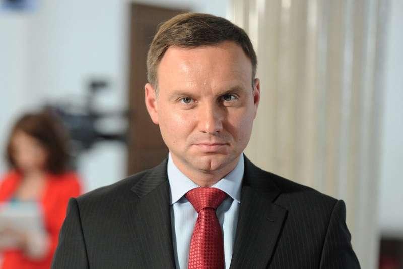 Ескалація на Азові: Україну має намір відвідати Дуда
