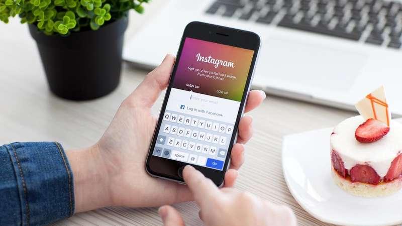 Instagram додав нову функцію, щоб стати доступним для людей із вадами зору