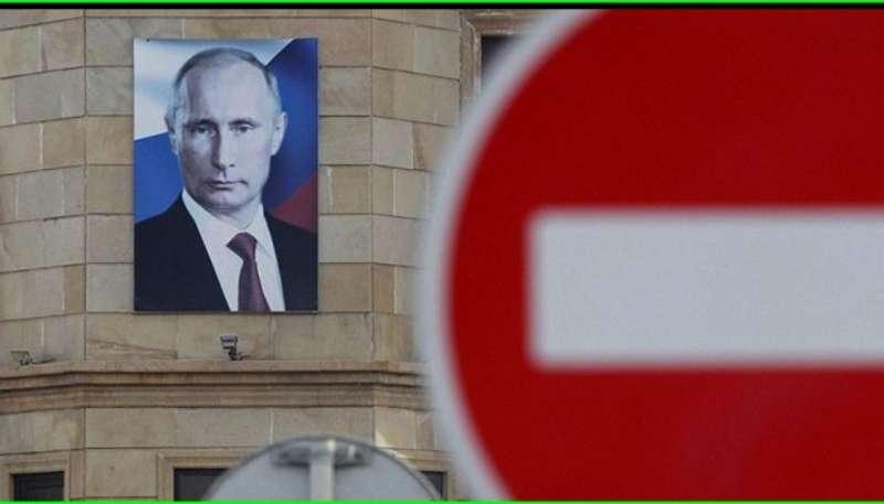 Путін у відповідь на заборону в'їзду росіянам обіцяє спрощене надання громадянства РФ українцям