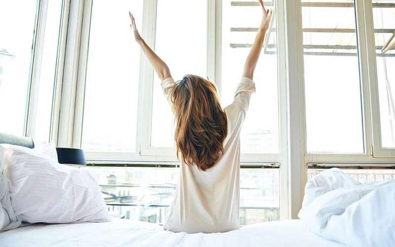 Науковці назвали найкращий час для ранкового пробудження