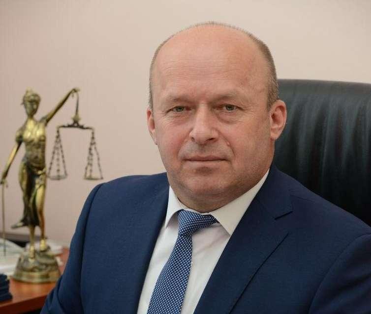 Голова Касаційного адмінсуду заробив за місяць третину мільйона гривень