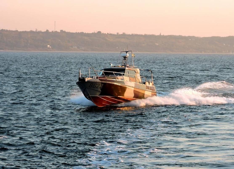 Порошенко запрошує кораблі НАТО в Азовське море