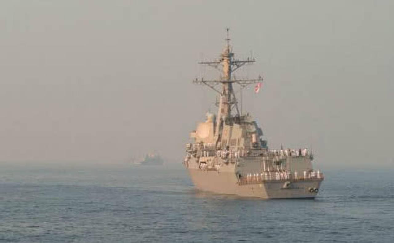 Ракетний есмінець США кинув виклик усьому Тихоокеанському флоту Росії