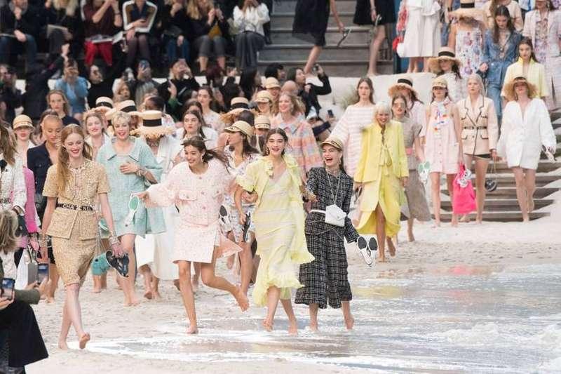 Мода без екзотики: французький бренд не буде використовувати шкіру ящірок та змій