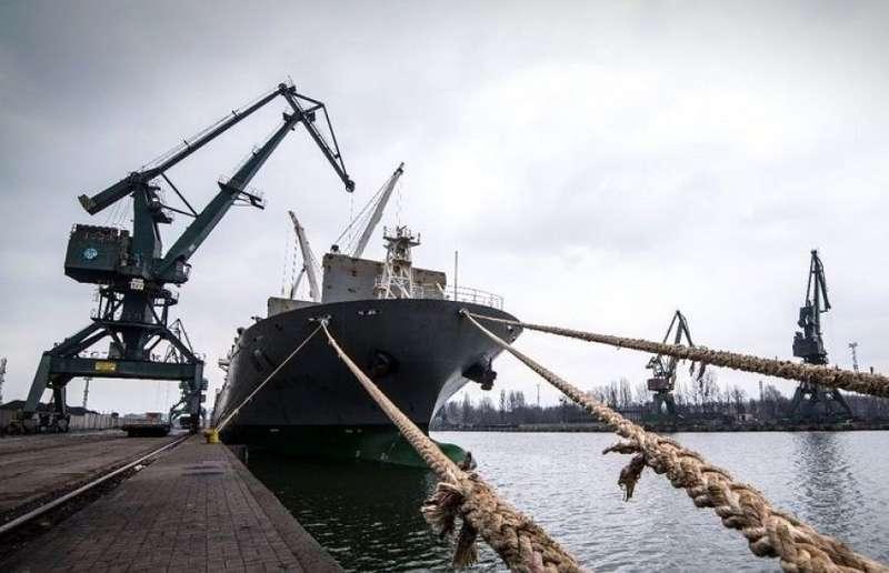Через агресію Росії простоюють азовські порти, - Омелян