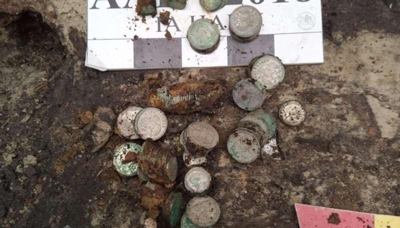 Археологи знайшли у центрі Києві майже 2 кілограмовий скарб