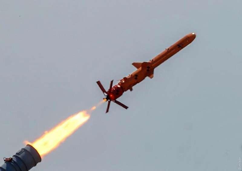 Військові успішно випробували крилату ракету Нептун