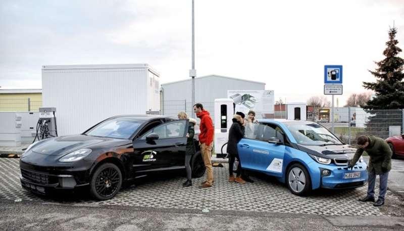 BMW і Porsche перевищили три рекорди Tesla
