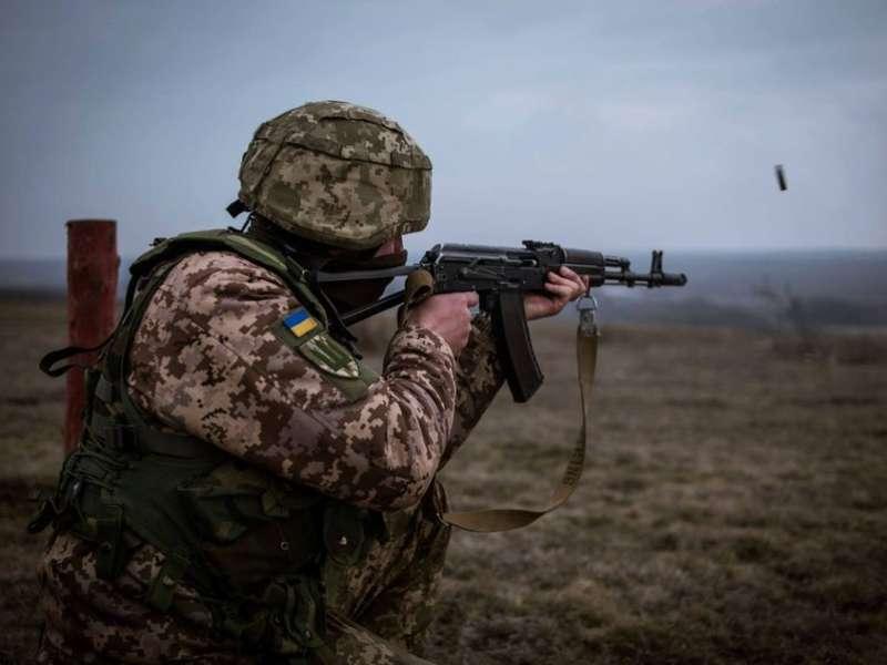 ООС: поблизу Гнутового помітили ворожого снайпера, одного захисника поранено