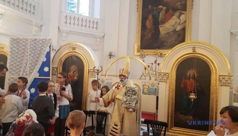 До українських дітей у Варшаві вже прийшов святий Миколай