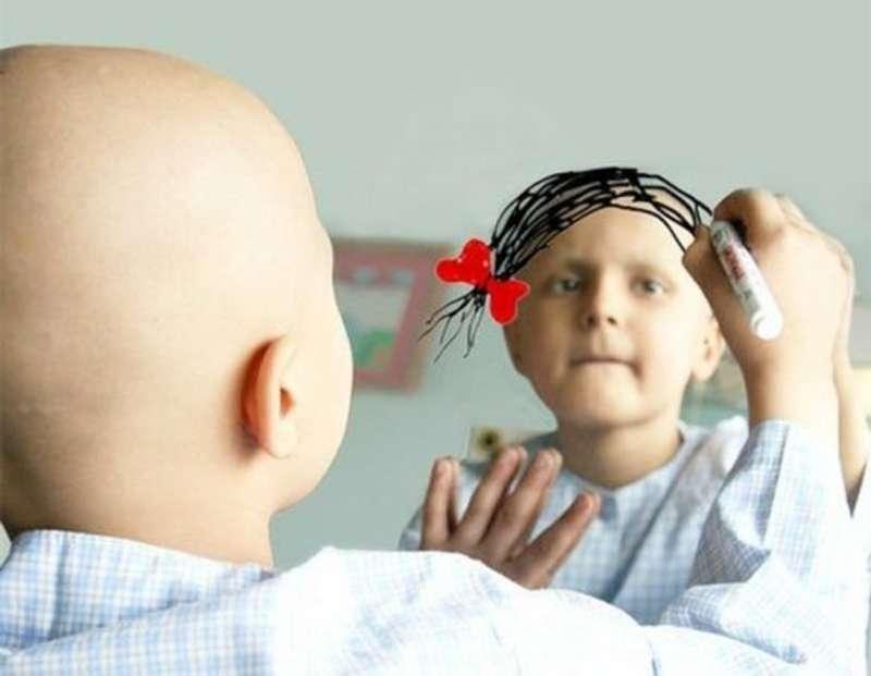 Волонтери збирають волосся на перуки для онкохворих дітей