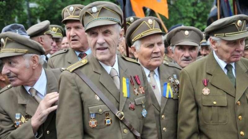 Порошенко підписав закон про визнання воїнів ОУН та УПА учасниками бойових дій