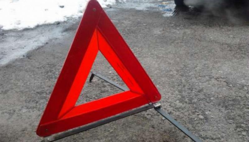 У ДТП двох легковиків загинув чоловік, семеро травмованих