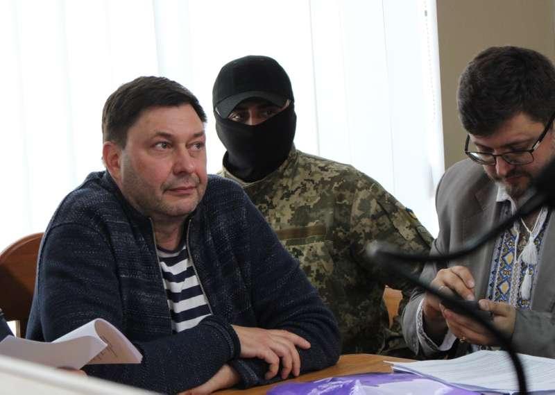 Вишинському продовжили арешт