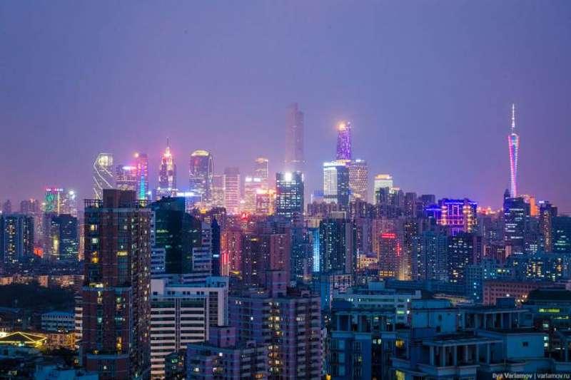 Населення Китаю почне скорочуватися вже через 8 років