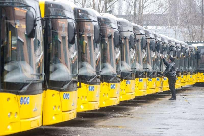 Як працюватиме громадський транспорт у Києві в різдвяну ніч і 7 січня