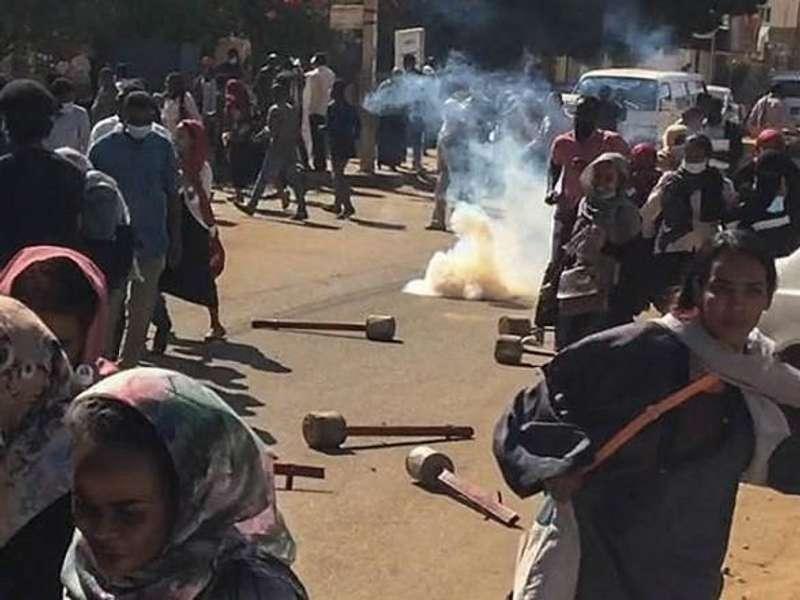 У Судані масові протести: понад 800 арештованих