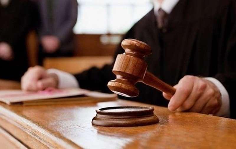 Священика заочно засудили до 6 років в'язниці