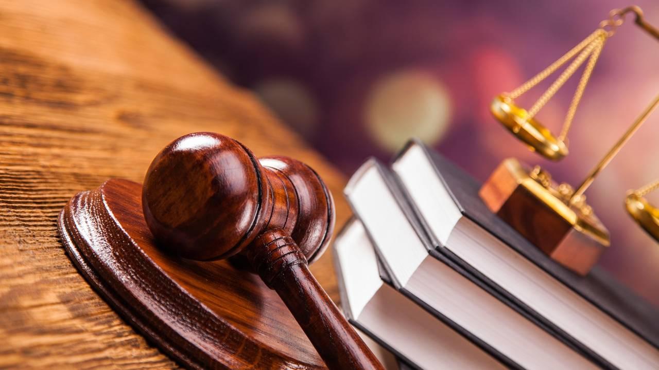 Суддю Усатова, який п'яним влаштував аварію, звільнили з посади