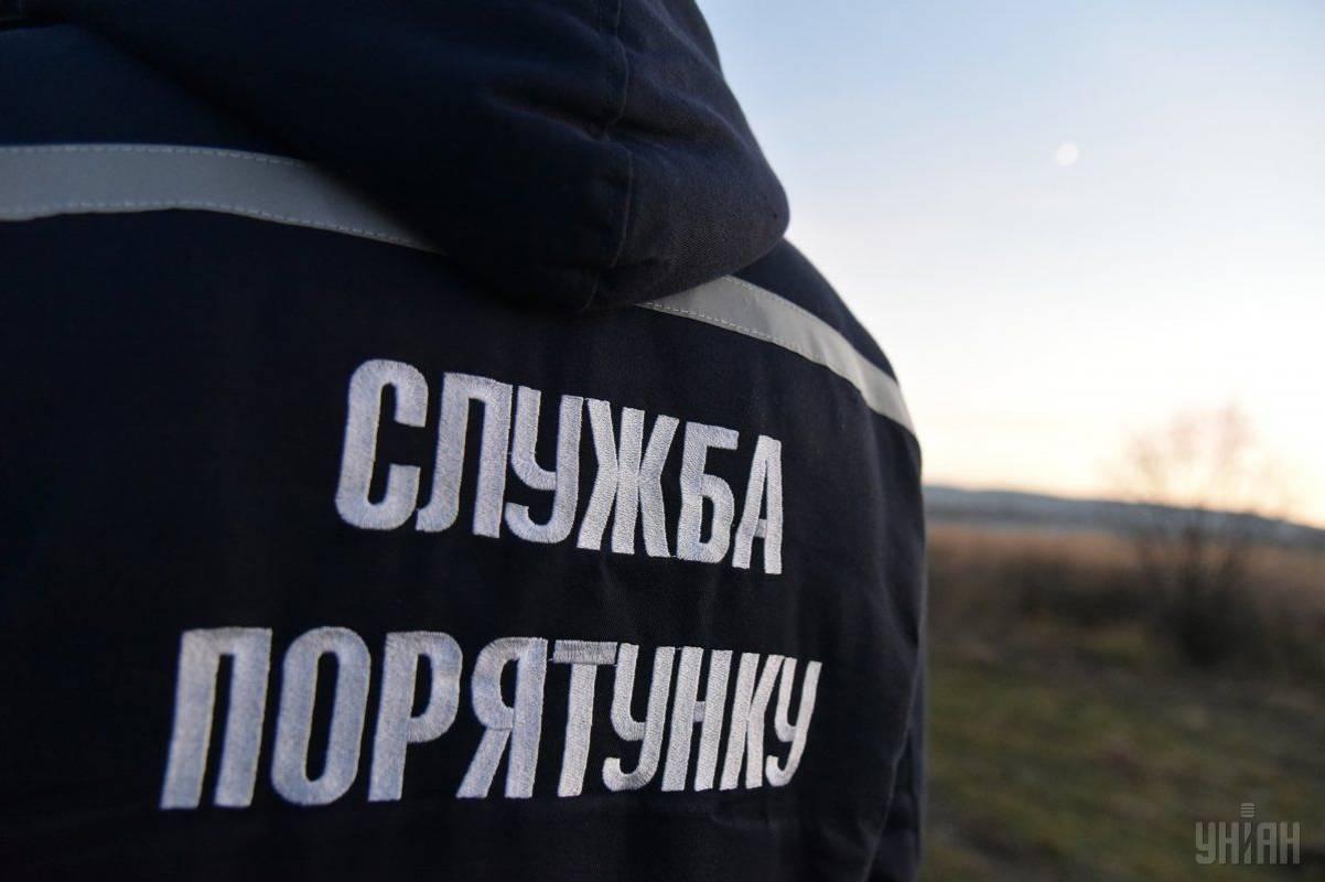 На Київському водосховищі потонув саморобний снігохід з людьми