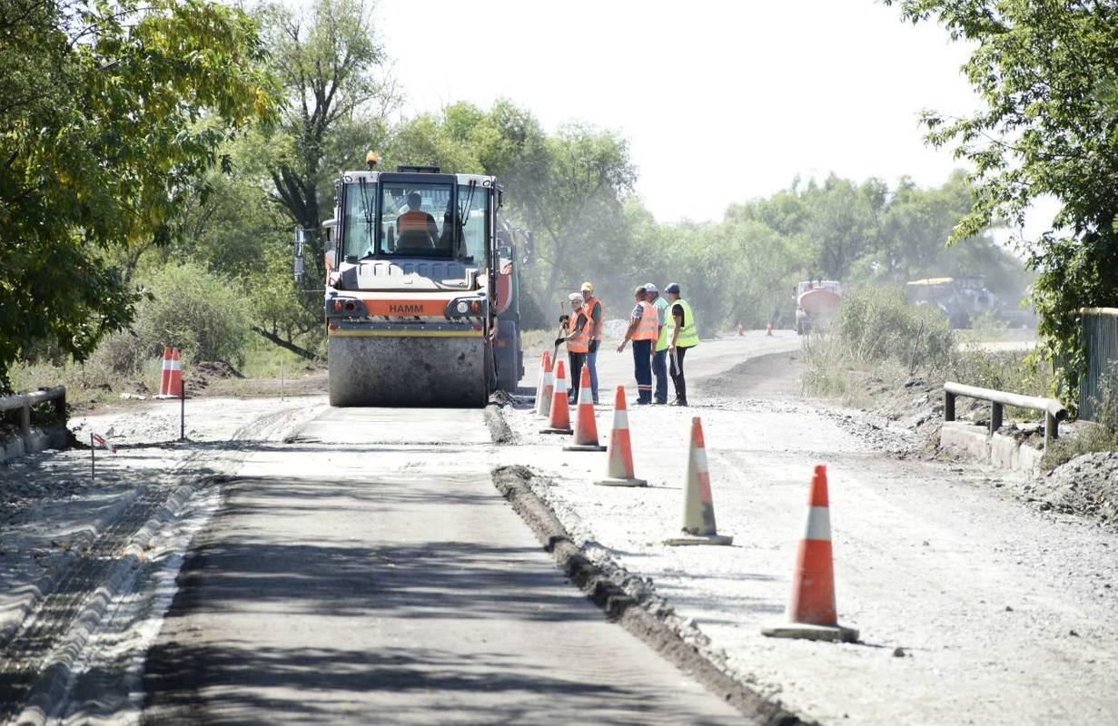 Цього року на відновлення місцевих доріг передбачено 14,7 мільярдів гривень
