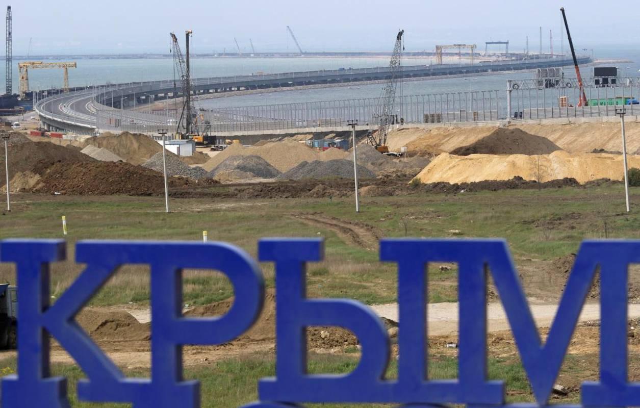 Росія хоче створити сухопутний коридор до окупованого Криму — Наєв