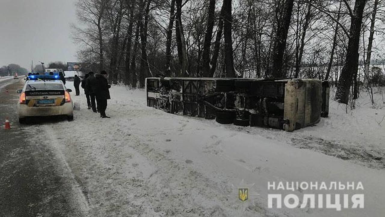 Автобус Київ-Москва перевернувся на Чернігівщині (фото)