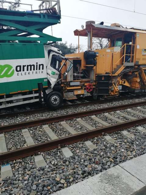 У турецькому Стамбулі не розминулися два потяги: масштаби аварії з'ясовують
