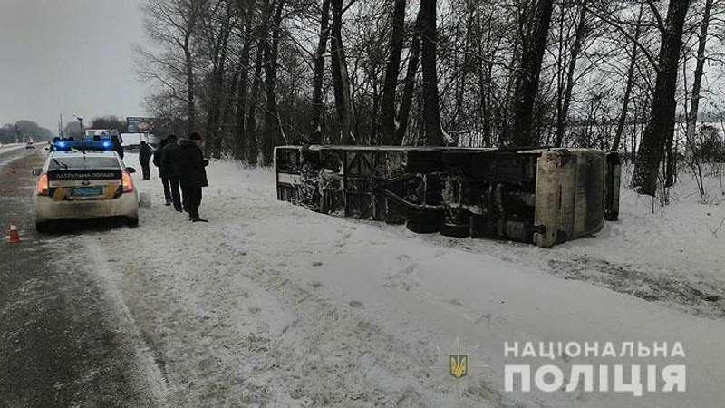 Автобус Київ-Москва перевернувсяна Чернігівщині (фото)