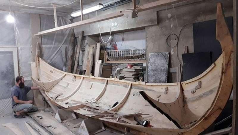 В Івано-Франківську взялися будувати кораблі - середньовічний та як у вікінгів