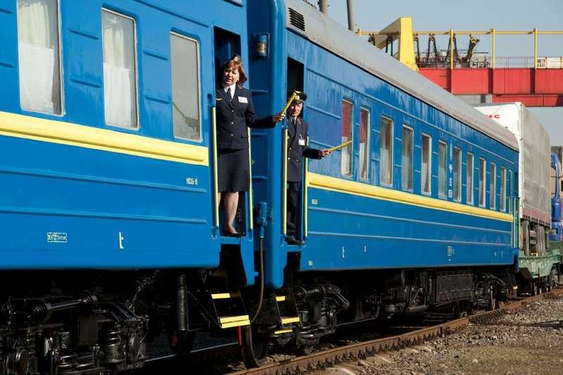 У поїзді Херсон-Львів провалилася верхня полиця депутата