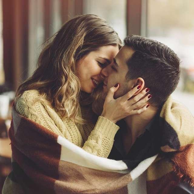 Що таке ідеальна пара з точки зору біології і до чого тут поцілунок