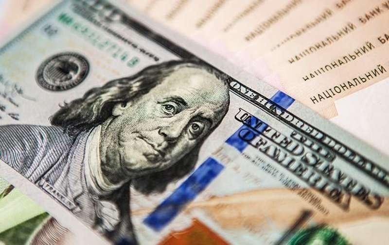 Експерт розповів, чого чекати від долара цього тижня