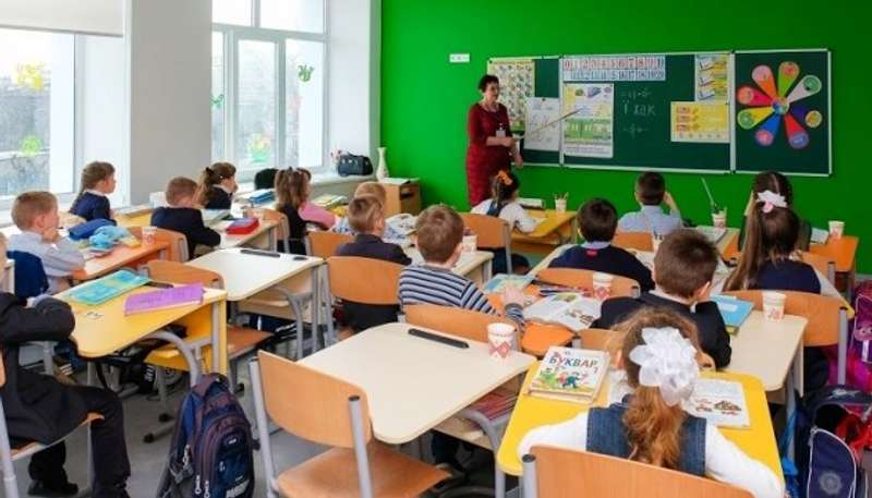 В анексованому Криму українську мову вивчають у 40 разів менше школярів, ніж до окупації