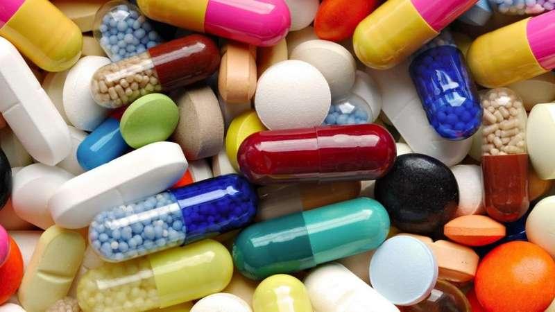 Супрун пояснила, чим краще запивати ліки