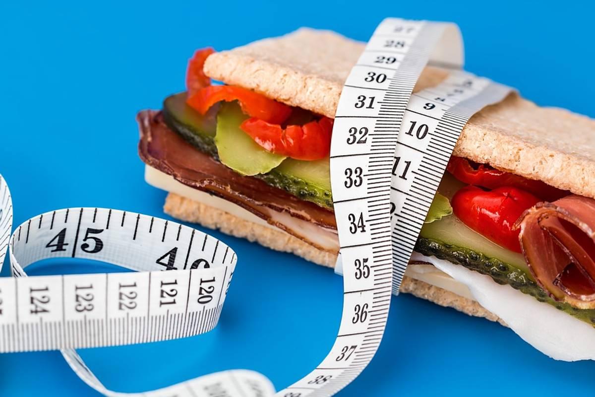Багато їсти і не товстіти: науковці переконують, що завдяки певним генам це цілком можливо