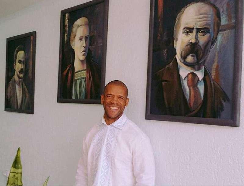 Бразилець 16 днів учив вірш Шевченка, аби продекламувати його українською (відео)