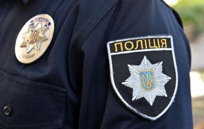 Поліцейський, який вимагав гроші від водіїв, виявився не справжнім. Вирок суду